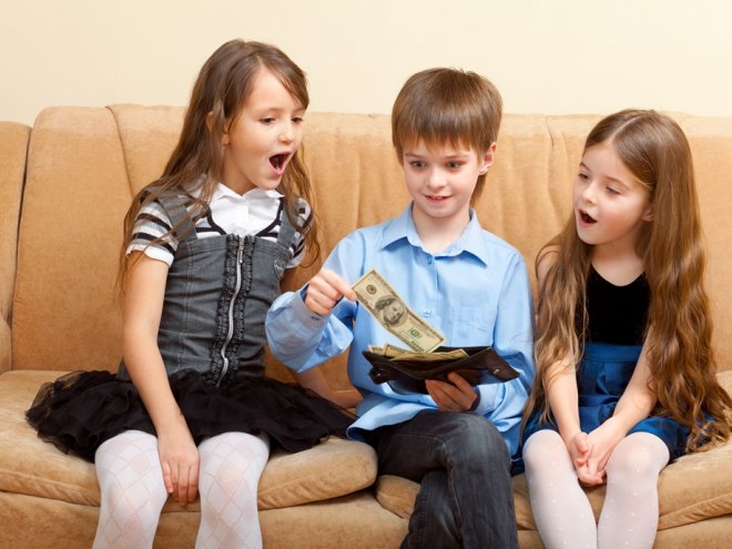Дети берут деньги без спроса