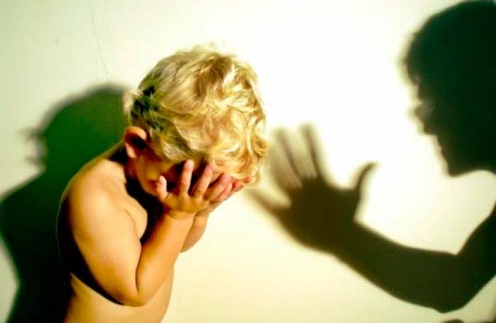 НЕ НАДО кричать на ребенка! Найдите другой способ объяснить ему, как правильно