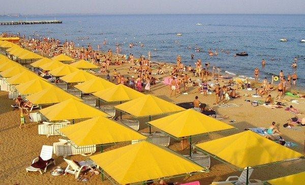 Пляж на Южном берегу Крыма