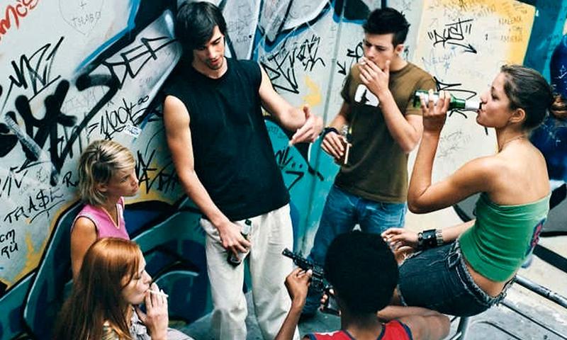 Алкоголизм и наркомания среди несовершеннолетних в