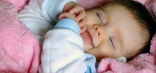 Ребенок перепутал день с ночью – что делать