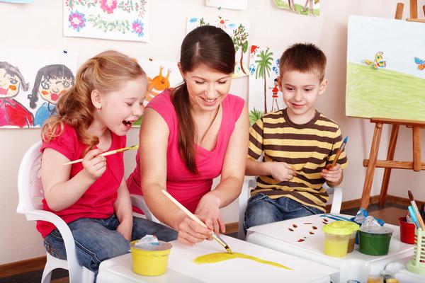 Чем развлечь детей дома