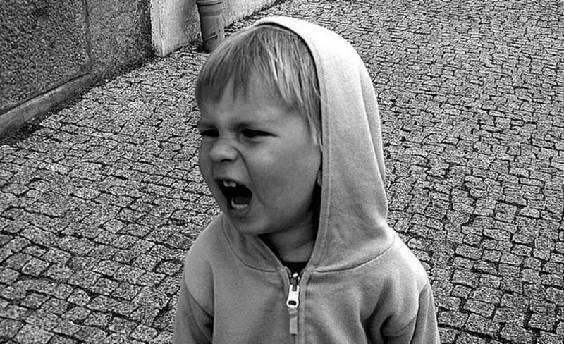 Ребенок ругается