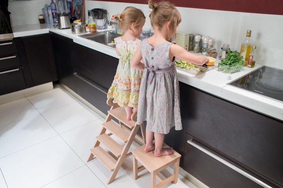 Дети на кухне