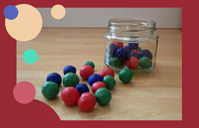 Банка и мячики