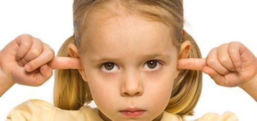 Девочка не хочет слушать