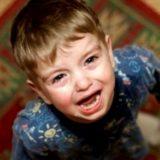 Как справляться с истериками у ребенка: множество эффективных способов