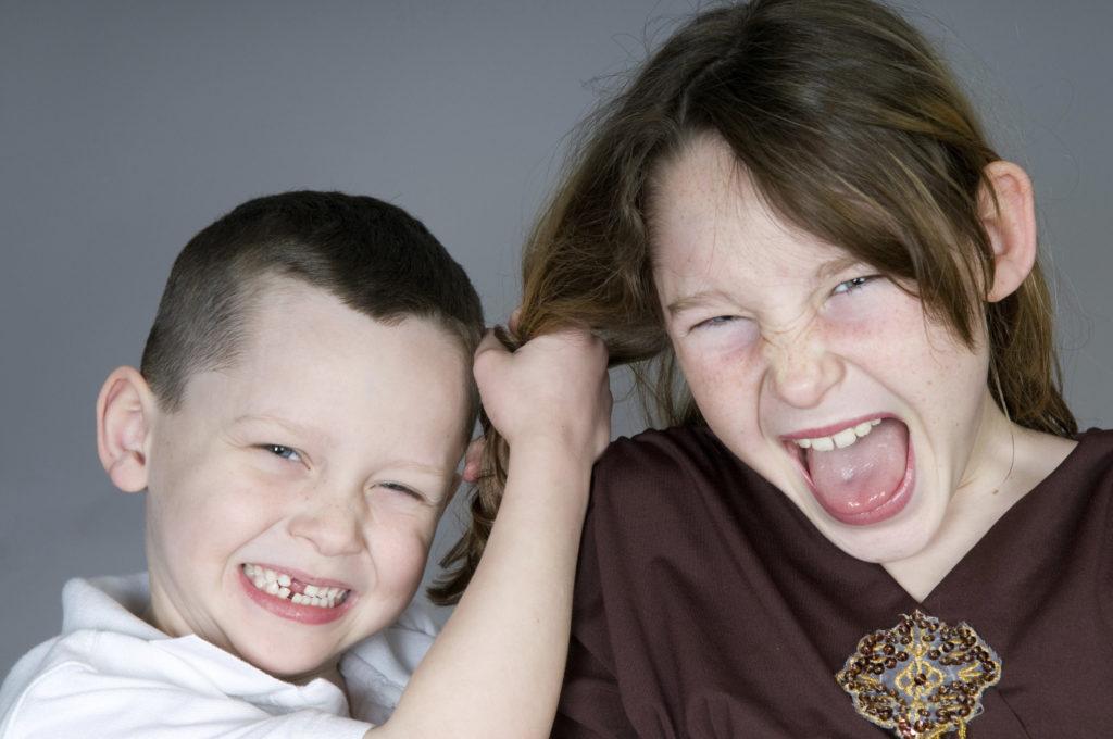 Агрессия против других детей