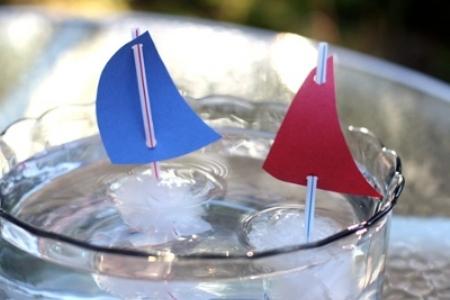 """Опыты со льдом """"Кораблики"""""""