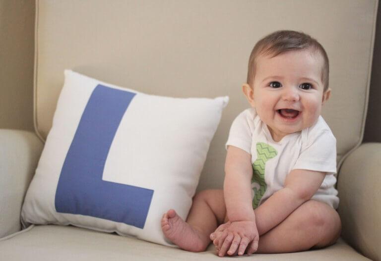 Регулярные занятия помогут ребенку сесть