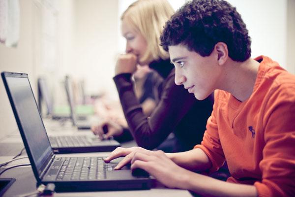 Заработок в соцсетях для школьника