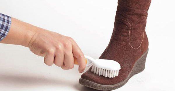 Как ухаживать за детской обувью зимой и правильно очищать от соли и грязи