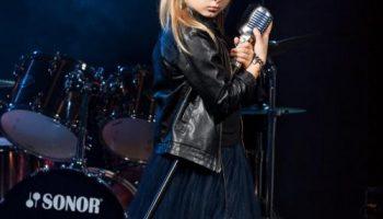 В мире рок-музыки пополнение: юная рок-звезда из Приморья прошла отбор в шоу «Голос.Дети»