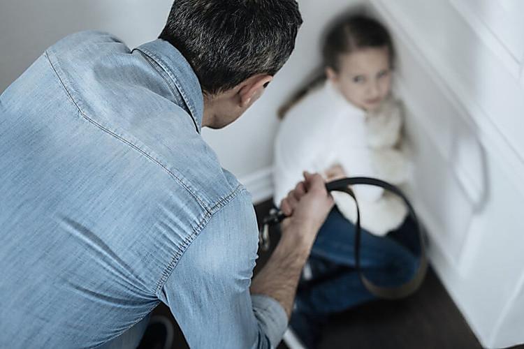 Власти Франции запретили физически наказывать детей