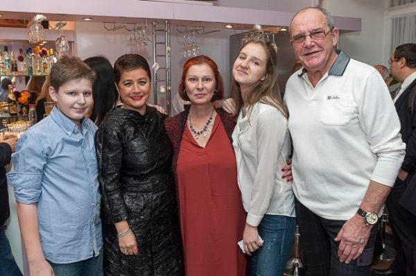 Максим Виторган познакомил дочку с Нино Нинидзе