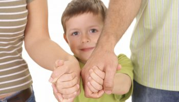 Какие 4 вещи запрещено позволять себе при детях