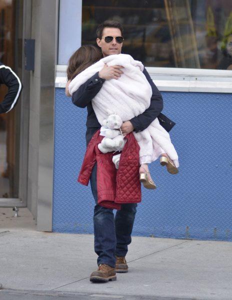 Тому Крузу запрещает видеться с дочерью его церковь сайентологии