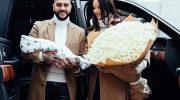«Папа нас забрал» — красивая Решетова с младенцем едут домой (фотографии)