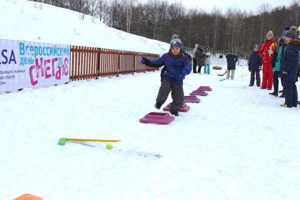 Игры с препятствиями на снегу