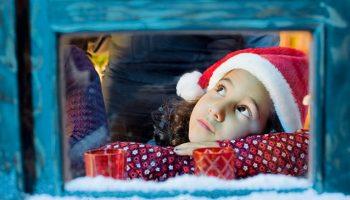 Как помочь ребенку избежать стресса во время праздников или каникул