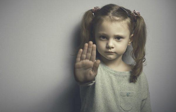"""Почему ребенок говорит """"нет"""""""