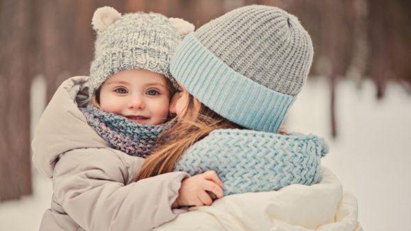 Как узнать, что ребенку холодно