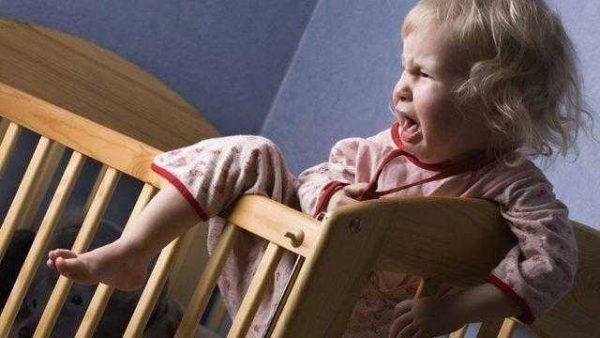 После телевизора ребенок плачет во сне