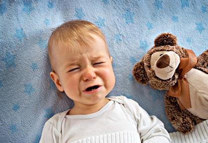 Ребенок плачет во сне