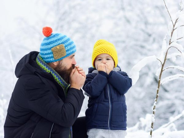 Ребенок замерз на улице