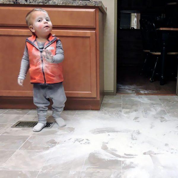 Пока родители не видят: смешная подборка старых и новых детских проделок (31 фото)