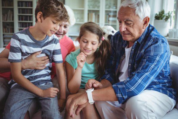 бабушки, дедушки и внуки