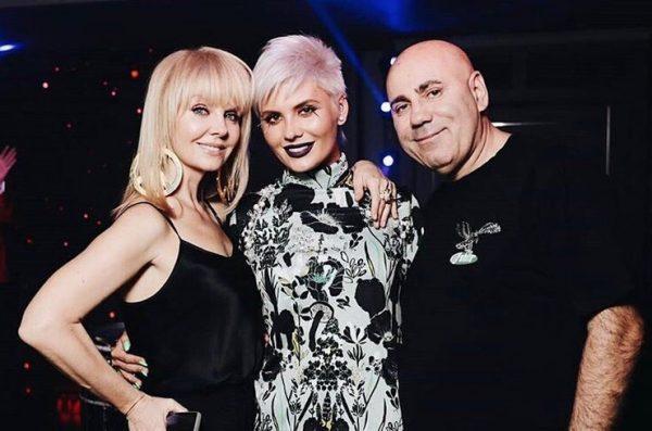 Валерия с дочерью и мужем