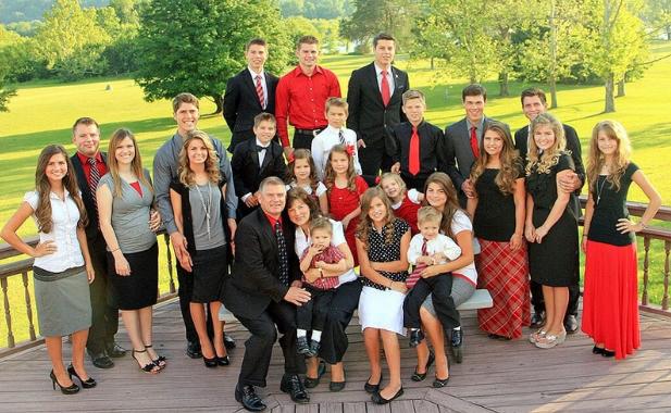 Семья Бейтс, 19 детей