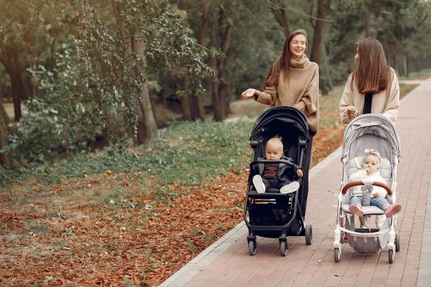 Отношение молодых родителей к педиатрам и почему бабкам верят больше, чем врачам