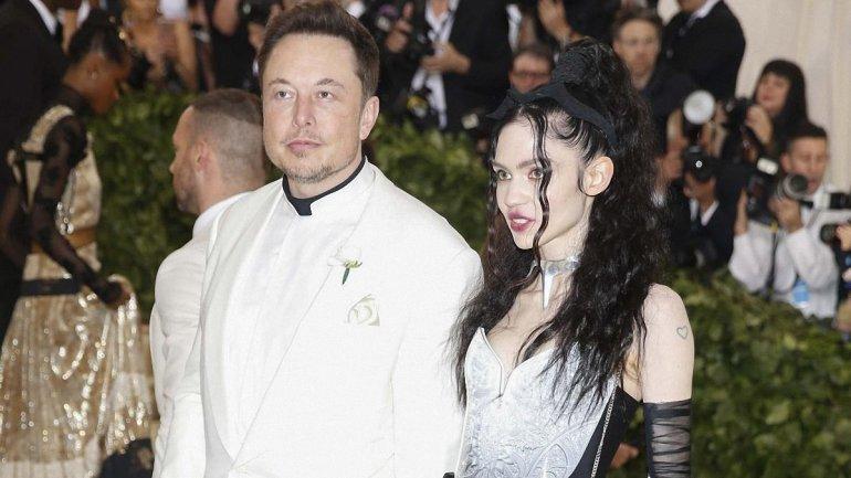Наконец-то! Илон Маск растолковал миру, как надо произносить имя его сына X Æ A-12