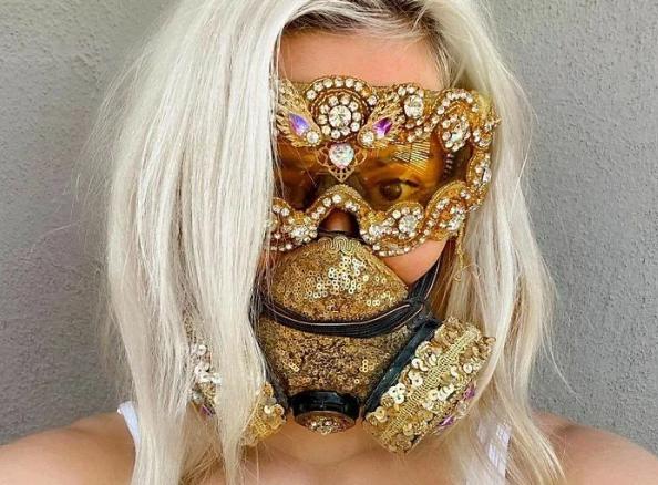 Их Covid не возьмет - испугается: самые нелепые и странные антикоронавирусные маски
