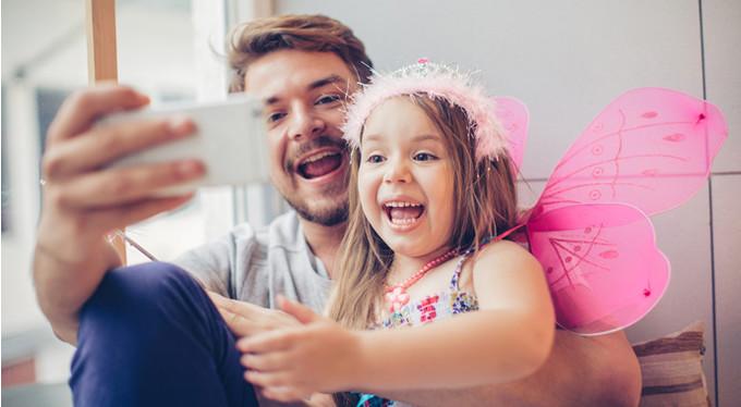 Всокресный папа и дочь