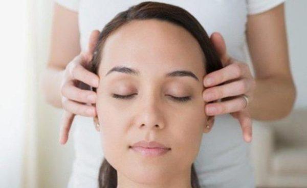 Почему часто болит голова и как себе помочь без таблеток