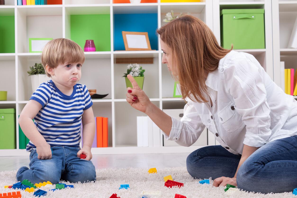 Ребенок доводит до белого каления: 3 приема, как успокоиться и найти взаимопонимание