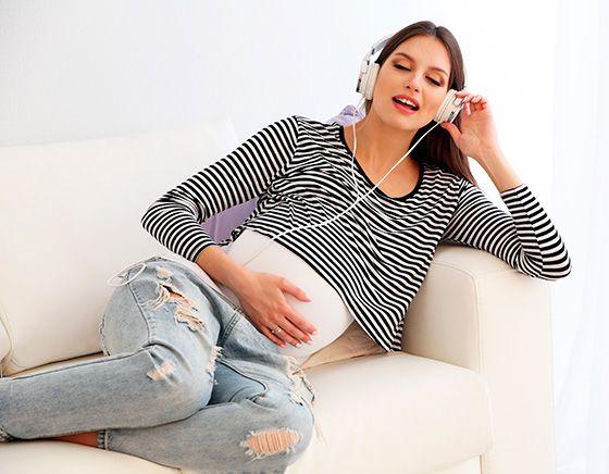 Почему беременным обязательно надо петь, даже если они не умеют