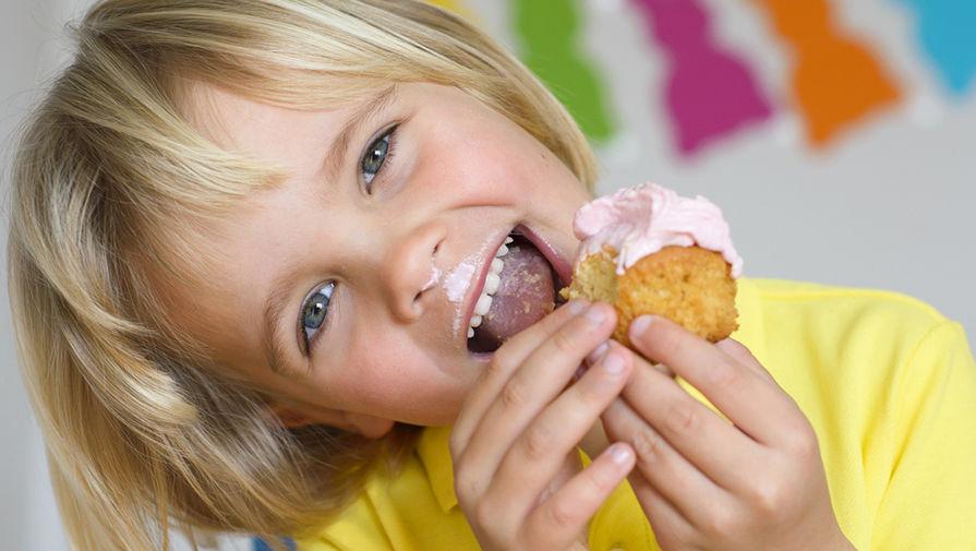 Почему нельзя есть сладкое ребенку перед едой