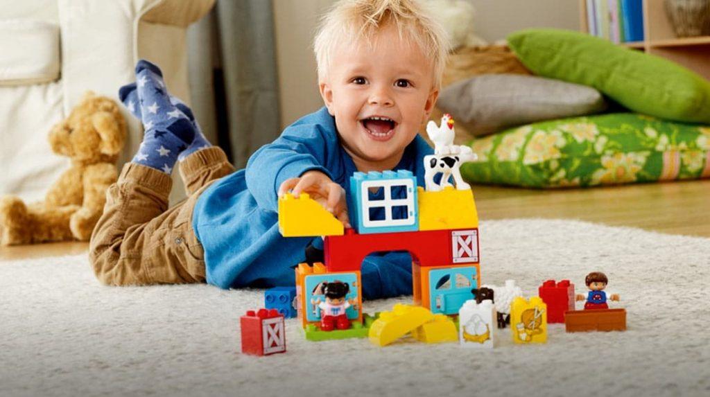 Развиваем ребенка правильными играми: конструкторы Lego