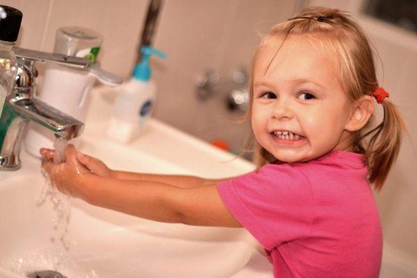 Полезные привычки, которые нужно прививать детям до трех лет
