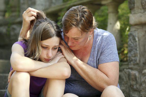 Мою дочь преследуют местные мажоры — написала напуганная мама