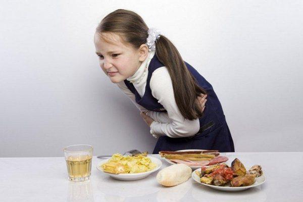 15 запрещенных для детей продуктов