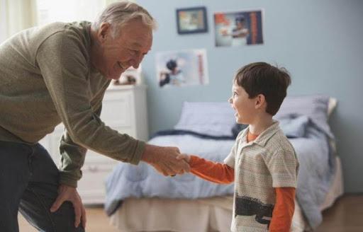 Чтобы не краснеть за своего ребенка: 10 правил, которым вы должны научить