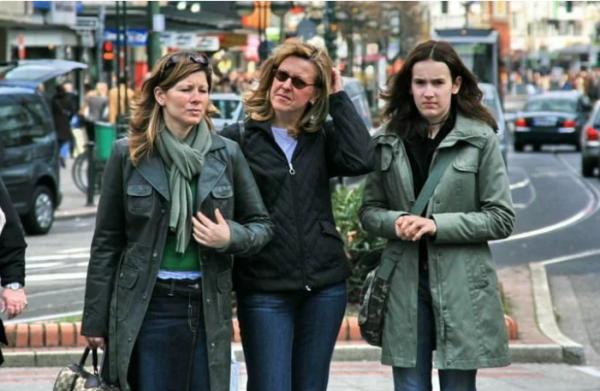 Проклятая экономия: что наших женщин шокирует на западе - даже помыться нормально нельзя