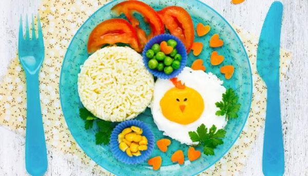 Малыш и взрослое питание: золотые правила, когда и как приучать