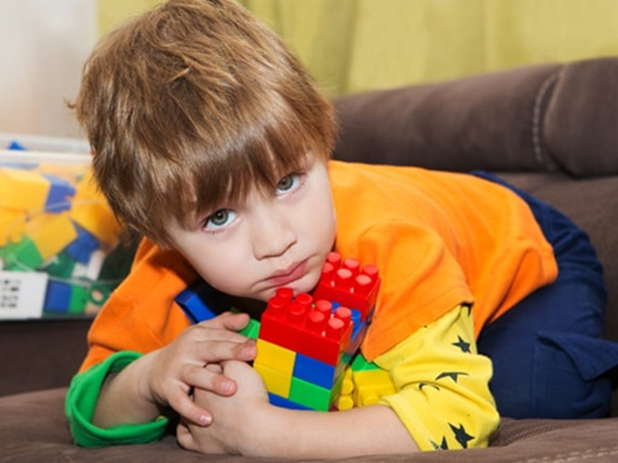 Детская жадность: рекомендации родителям, как научить ребенка адекватно оотноситься к своим вещам