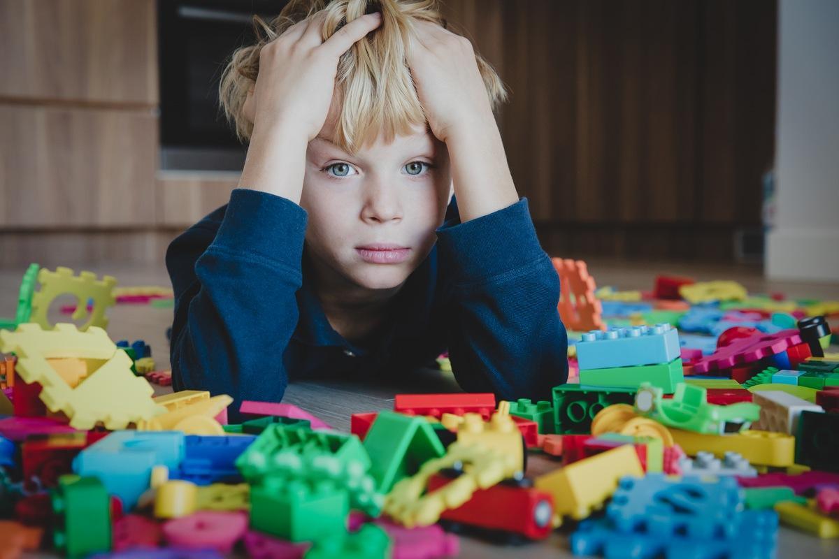 Отличные лайфхаки, чем занять ребенка дома в непогоду и сумрачные выходные
